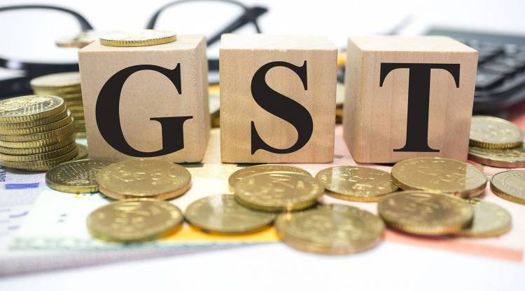 For GST returns, do retailers have to upload all sales invoices?